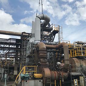 化工工場 予熱器据付工事